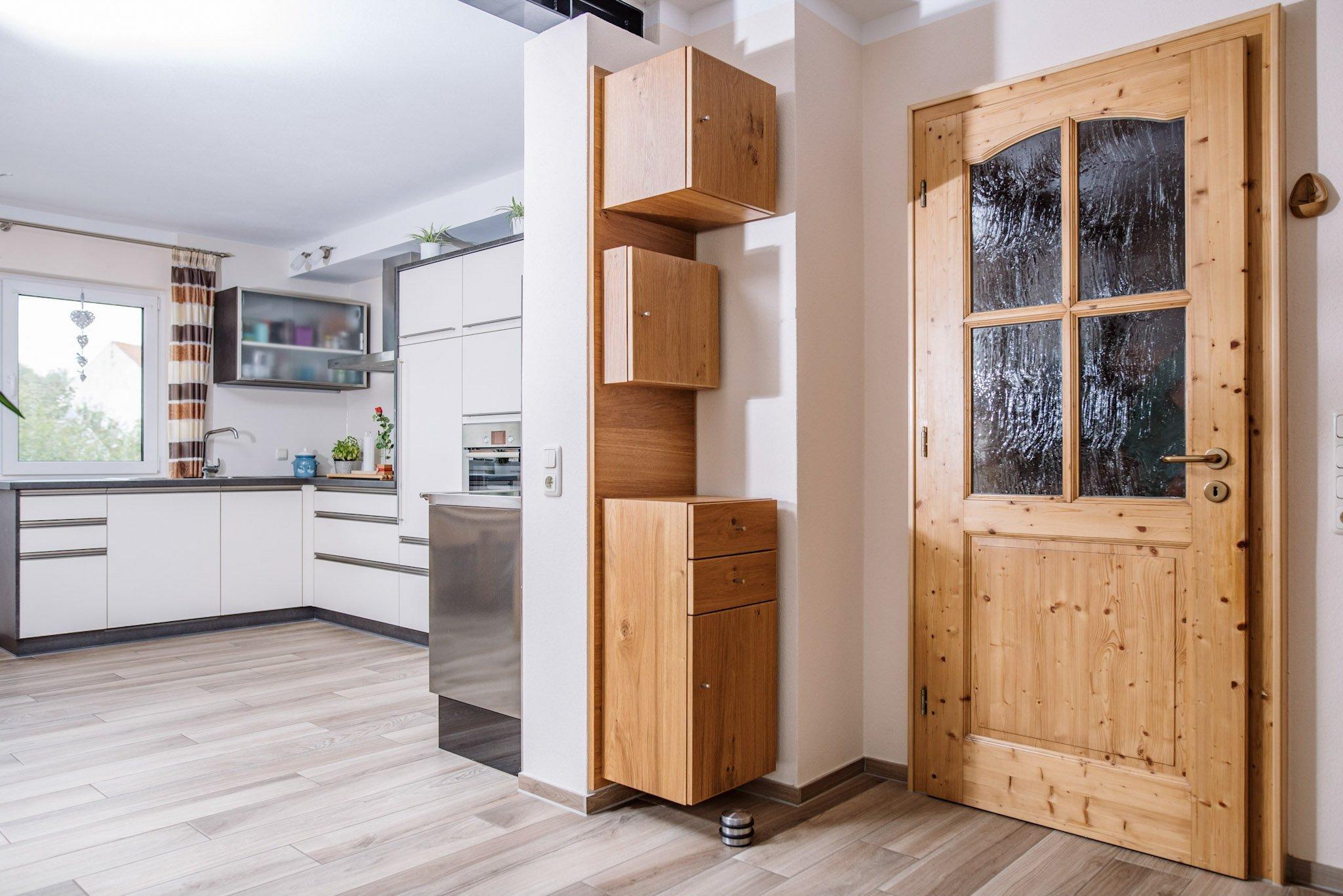 Geschreinerter Schrank & passgenaue Tür